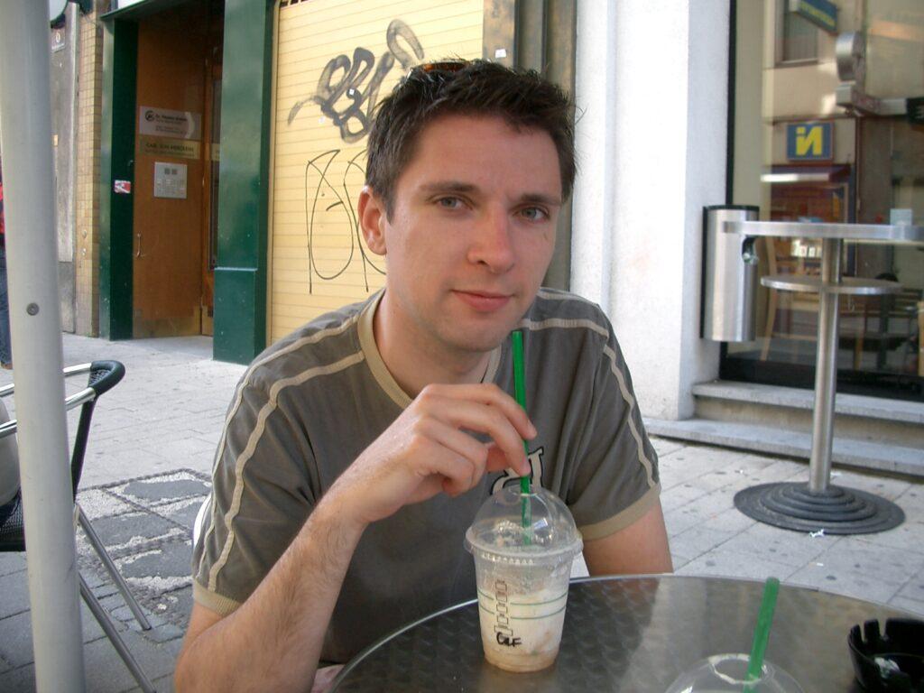 ich beim Kaffee in Wien