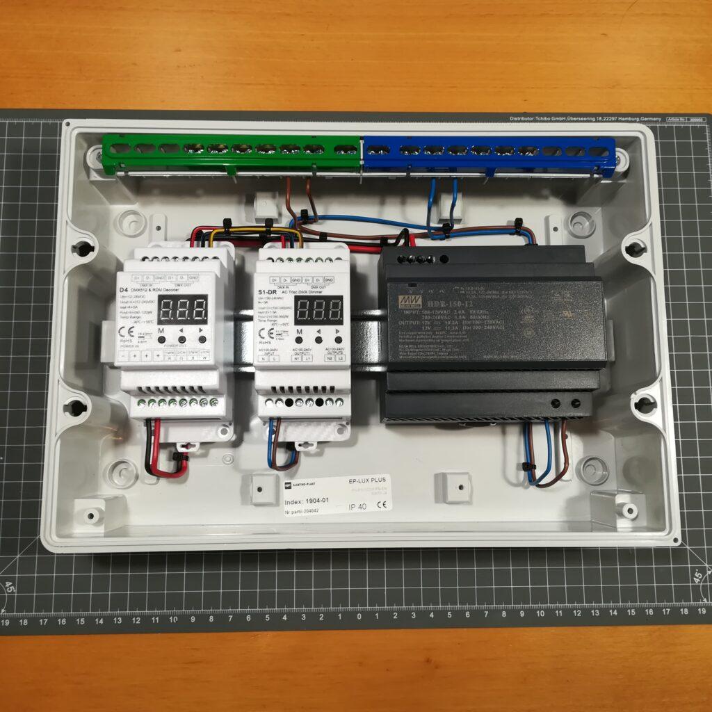 Kleinverteiler für die Lichtsteuerung mit DMX
