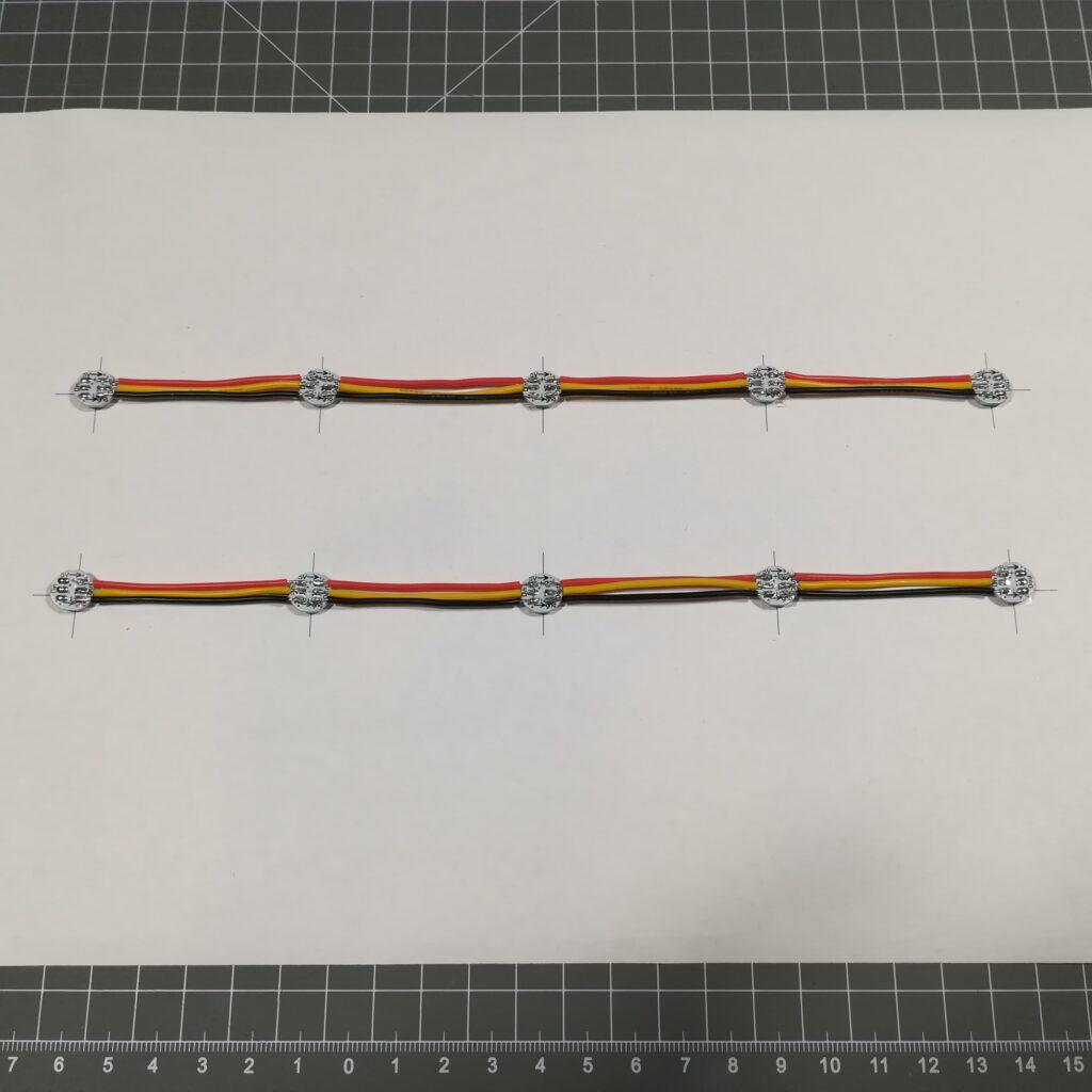 Verlöten der NeoPixel im Gleisabstand